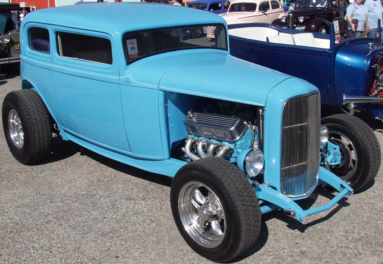 32-Ford-Hiboy-Tudor-Sedan-Chopped